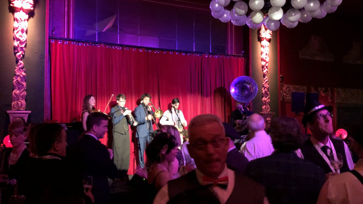 Swing-band-of-the-20s-and-30s